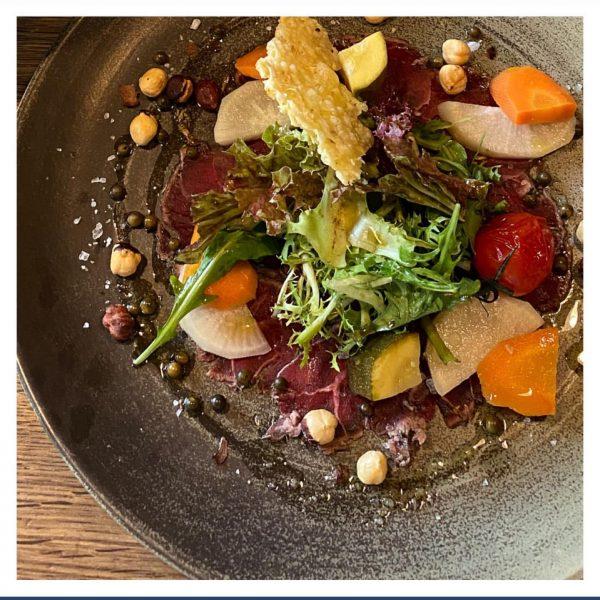 Carpaccio & hausgemachte Mixed Pickels & Trüffelöl Ready for Dinner im Hochsitz? #gaultmillau ...