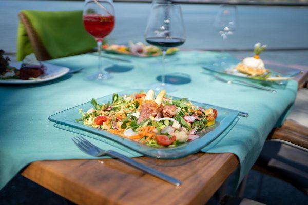 Leichte Sommergerichte sind bei diesen Temperaturen ideal! Wir zaubern euch frische und knackige Gerichte und sorgen so...