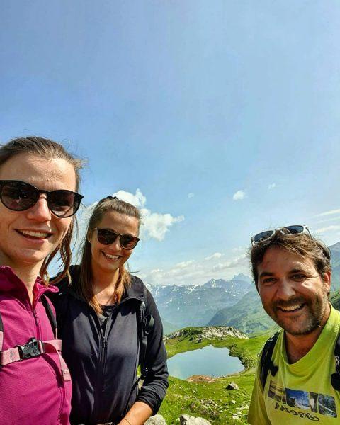 TEAMWORK makes the DREAM work! 😊 . . #friends #friendship #arlbergtrail #youbetterbein #youbetterbehere #vacation #mywork #mylife #myhood...