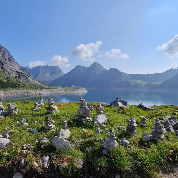 Good morning from @luenersee in @brandnertal_tourismus A beautiful hiking day!! I just did ...