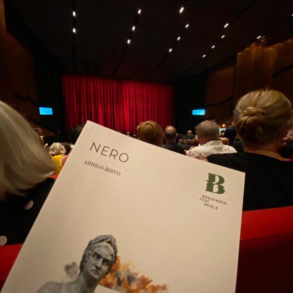 Eine der berüchtigtsten historischen Figuren auf der Bühne der @bregenzerfestspiele: der römische Kaiser Nero, in Arrigo Boitos...