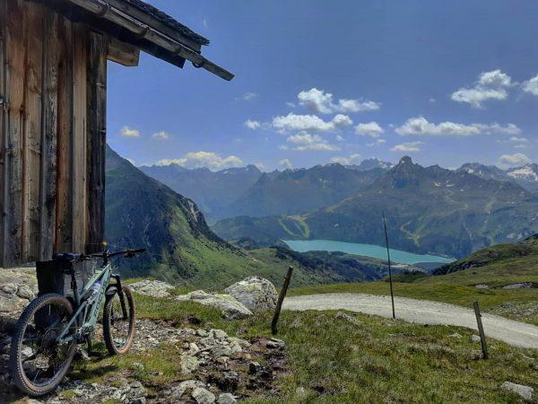 Ich liebe es, wenn meine Frau mich Mountainbiken lässt ... 😉 . . ...