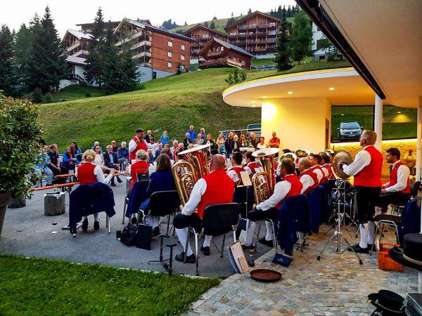 Ein großes Dankeschön geht an die Alpenklänge Damüls für das wunderschöne Platzkonzert gestern vor unserem Haus 🎼...