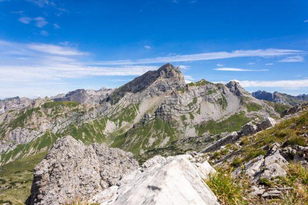 Ein Sommertag in der wunderschönen Bergwelt des großen Walsertals! 🏞 📷 08.2020 #vorarlbergwandern ...