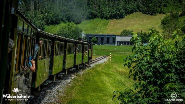 Samstag und Sonntag 10:45, 13:45 und 15:45 Uhr ab Bezau Bahnhof #bregenzerwaldbahn #museumsbahn ...