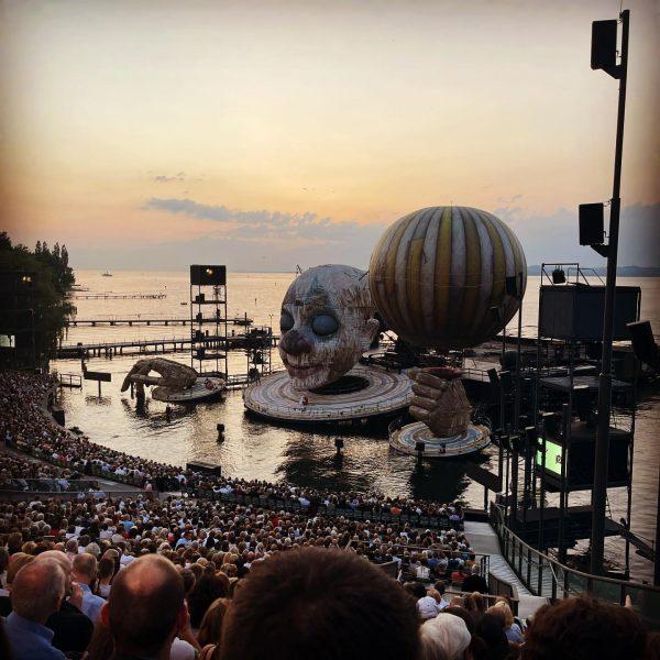 Rigoletto Premiere Super Wetter, tolle Begleitung, sensationelles Spiel auf dem See. So schön wieder hier zu sein...