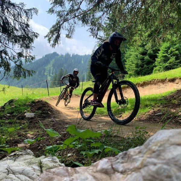 1st time downhill mountainbiking 🤘🏼 #brandnertal #bikeparkbrandnertal #brandnertal_tourismus #brand #austria #mountains #mountainbike Bikepark ...