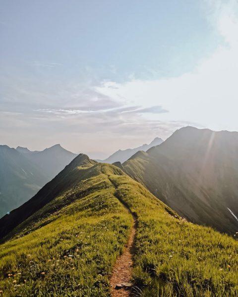 Sonnenuntergangswanderung zur Höferspitze 2.131m 📍5,7km Länge |⏱3h Gesamtzeit | ⬆️ 459hm | ⬇️ ...