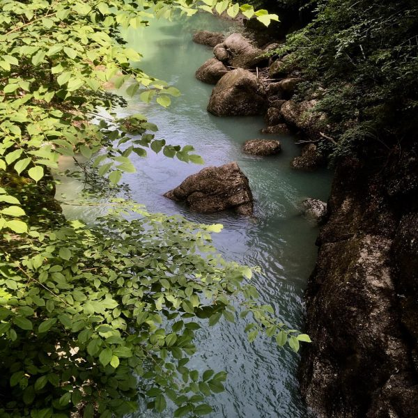 River deep, mountain high #bregenzerwald #vorarlberg #austria #bolgenach #rainbow surprise Hittisau