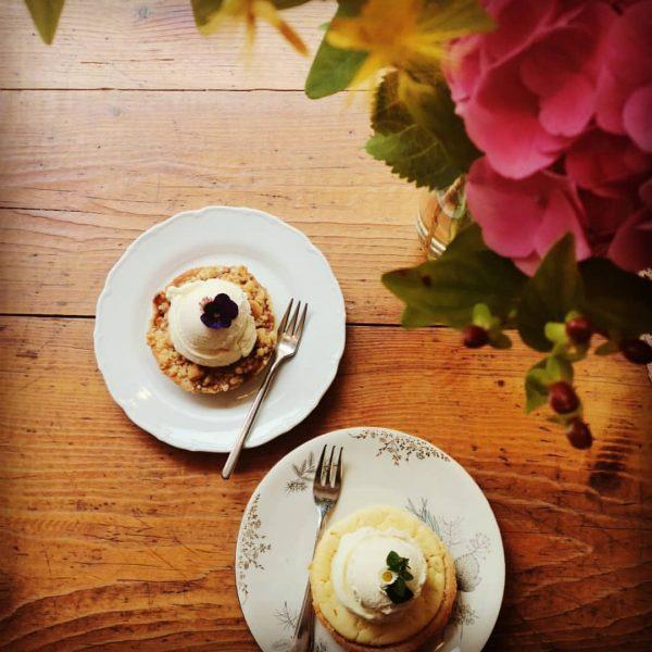 Z mittag im Frida ♡ Linsendal ♡Salate, Wraps..... ♡Apfelcrumble mit Vanilleeis Frida Bio
