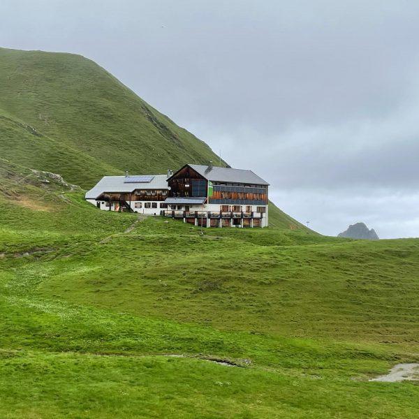Ab kommenden Sonntag bin ich für 11 Tage von Hütte zu Hütte unterwegs ...