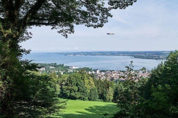 Zeppelin über Bregenz . . . #zeppelin #bodensee #visitbregenz #schifffahrt #lagodicostanza #summer #landscapephotography ...
