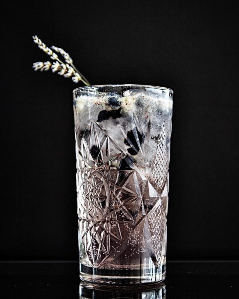 Unsere neuen Lieblingsspritzer #lavendel #bar #drinks #aperitivos #spritz #lounge #chillout #dachterrasse Restaurant E3 ...