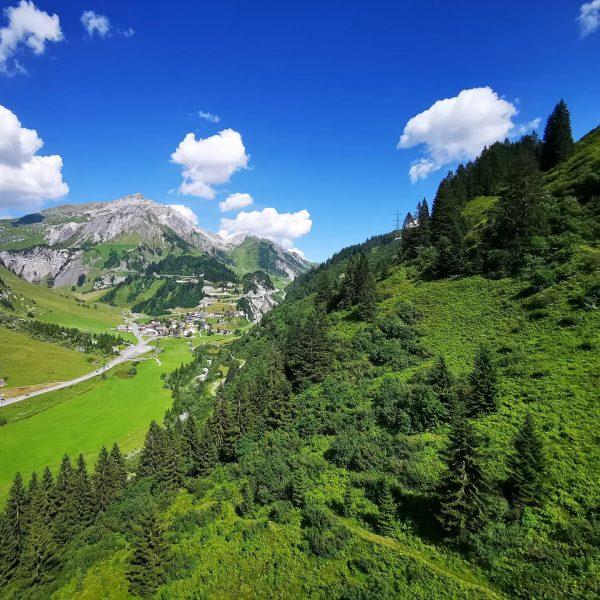 Sommer? Läuft... 😎 #stuben #arlberg #albona #onearlberg #flexen #klostertal #lechzuers #stantonamarlberg #berge #wandern ...
