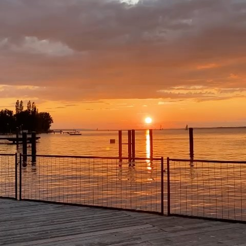 We just love the sunsets here @bregenzerfestspiele! @emiliodiazabregu @visitbregenz @visitaustria @wiredaerialtheatre . . ...