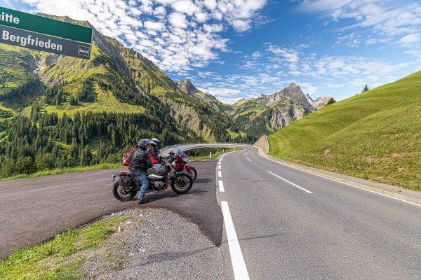 Der Hochtannbergpass ist ein spektakulärer Gebirgspass in Vorarlberg, der das Lechtal bei Warth ...