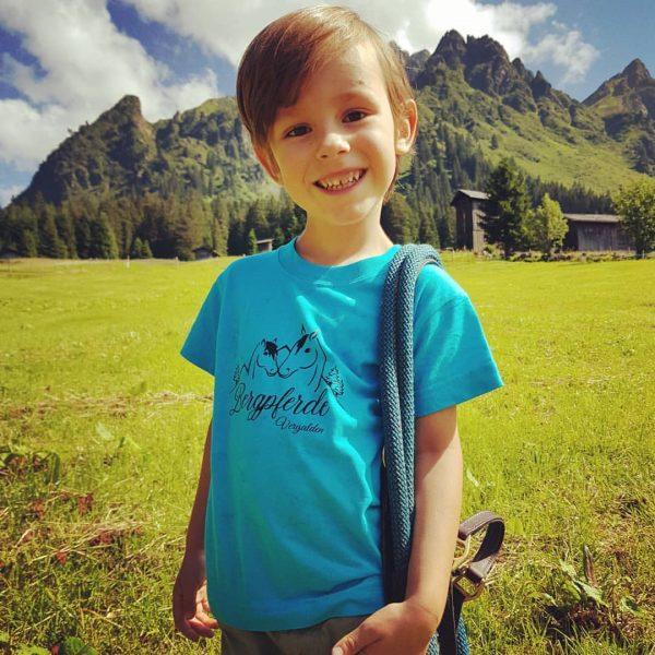 Samy in seinem neuen T-shirt 💙 Es hat den Test bestanden, wurde für ...