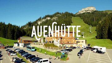 Hallooo Sommer ☀️ #summervibes #kaiserschmarren #sonnenschein #augustinerbräu #lifeisbetterinthemountains #auenhuette #auenhütte #laubela #sommerindenbergen #mounatinlove ...
