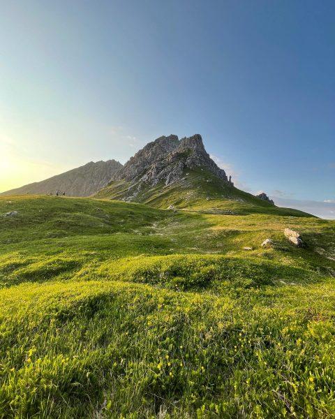 Lichterspiel in den Bergen 🌅 #auenhütte #ifen #fiderepasshütte #sunset #sonnenuntergang #kleinwalsertal #visitvorarlberg #visitaustria ...