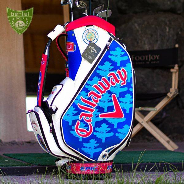 Natürlich ist auch das offizielle #torreypines Bag von Callaway bei uns erhältlich🙃 #callawaygolf ...