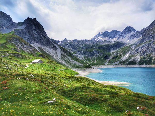 #vorarlberg #alpen #austria #bergluft #bergpic #mountainview #loves_austria #bergliebe #beautifulplaces #alpenliebe #mountainlove #альпы #горы ...
