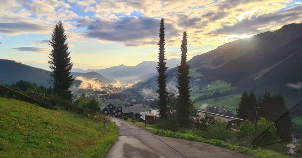 Guten Morgen vom Schöntalweg #kleinwalsertal #hirschegg #schöntalweg #allgäu #riezlern # Kleinwalsertal.com