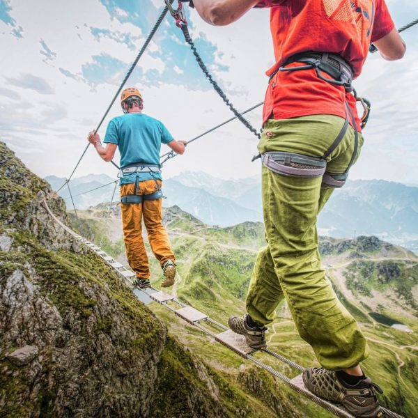 In diesem Sommer geht's hoch hinaus!⛰ Unsere Klettersteig-Empfehlung: 🥾 Anfänger: Kälbersee (A&B), Burg ...