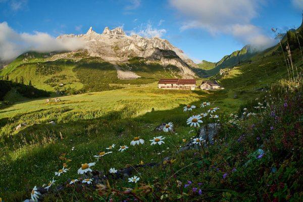 Aufstieg zum Großen und Mittleren Drusenturm. Mit 19,4 km Wegstrecke und 1854 Höhenmeter ...