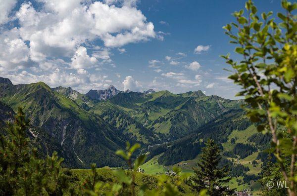 Bei Mittelberg im Kleinwalsertal #winfriedloesel #landschaft #landscape #landschaftsfotografie #natur #nature #naturfotografie #mittelberg #kleinwalsertal ...