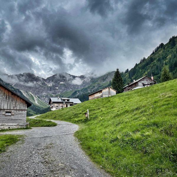 Biken im Bregenzerwald #mountainbike #bregenzerwald Alpen Hotel Post