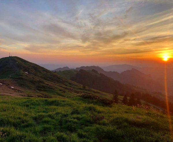 #goodmorning 🌄😍 sommerlicher Sonnenaufgangsaugenschmaus! . . . . #hohekugel #vorarlberg #meinvorarlberg #hiking #gutenmorgen ...