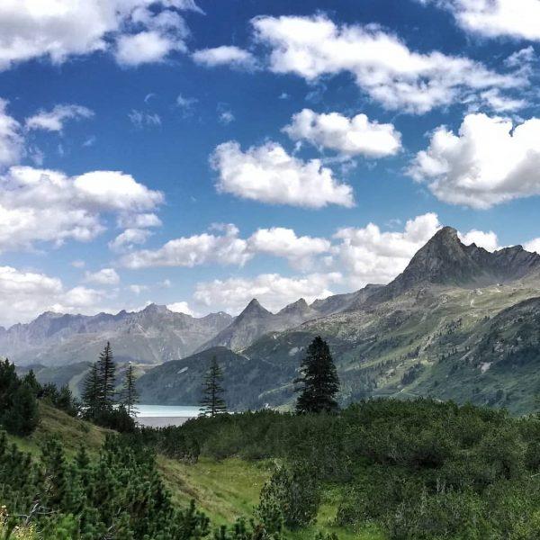 💚🌲💚 #rauszeit #montafon #rauszeitmontafon #achtsamkeit #meinmontafon #achtsamwandern #meditation #offline #mindfulness #bergemitwow #madeinaustria #ig_austria ...