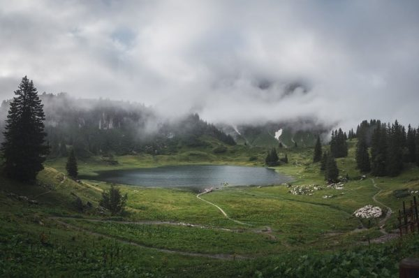 Moody Monday ☁️⛰ #collectmoments #mountainlove #summertime #myvorarlberg #visitvorarlberg 📸 (c) Thomas Stanglechner Körbersee