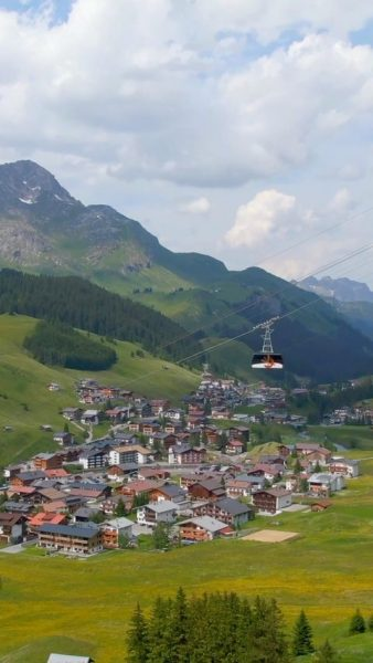 Go up & discover the amazing mountain landscape of the Arlberg ⛰🇦🇹 . ...