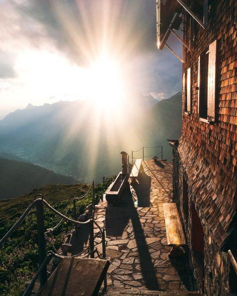 """Eine unserer Lieblingswanderungen ist der """"Berggeistweg"""" zur Kaltenberghütte auf 2.089 m. Der Rundwanderweg ..."""