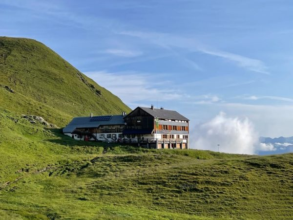 🎧 Bergtratsch mit Markus Jankowitsch von der @tilisunahuette über das Leben auf Hütten, ...
