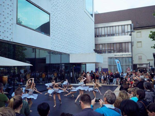 Young Art Generation am #kornmarktplatz Samstag, 11. September, ab 15.00 Uhr 🤩Junge Künstlerinnen ...
