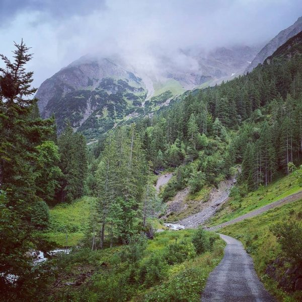 Het prachtige Wildental vandaag ... #Mittelberg #Kleinwalsertal #Oostenrijk #wanderlust #nature #mountain #austriatoday Kleinwalsertal Österreich