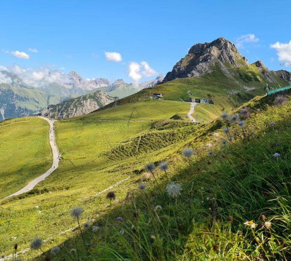 Een prachtige dag op de #Kanzelwand met fantastisch zicht. #blue #bluesky #Austria #Österreich ...