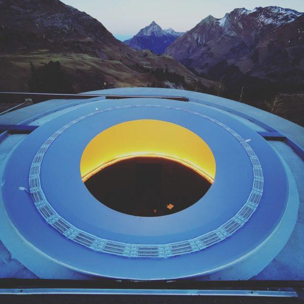 Der weltbekannte US-amerikanische Künstler James Turrell hat für Lech einen Lichtraum entworfen, in ...