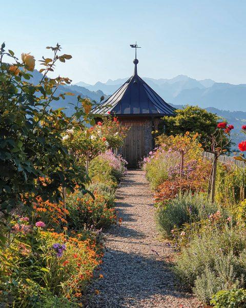 Ein ganz besonderes Plätzchen auf 880m Seehöhe ist das Kloster Viktorsberg mit dem ...