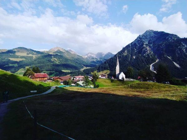 Oostenrijk, u was geweldig! 🇦🇹🍻🏞️ #instasize #instalike #instagram #austria #kleinwalsertal #walk #mountains #goodtime #mittelberg #baad #hirschegg #riezlern...