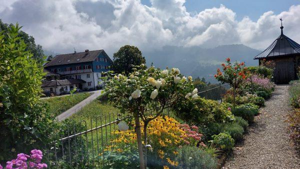 #visitvorarlberg #visitaustria #viktorsberg #schöneaussicht #gasthofschöneaussicht #kloster #klosterweg #alpen #alpenliebe #
