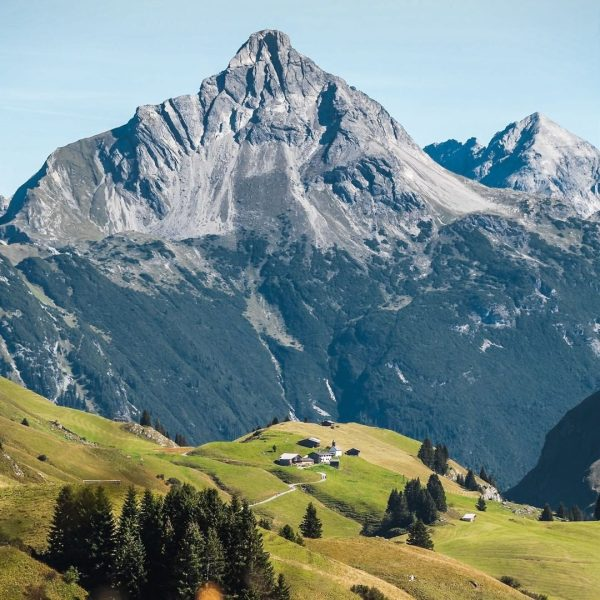 2 hiking tours on one pic: 👉 Bürstegg - 1.719m - once the ...