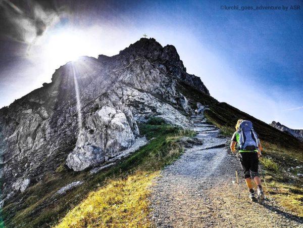 The mountain calls... #kanzelwand #voralberg #österreich #outdoor #explore #summit #mountaincross #cross #gipfelstürmer #austria ...