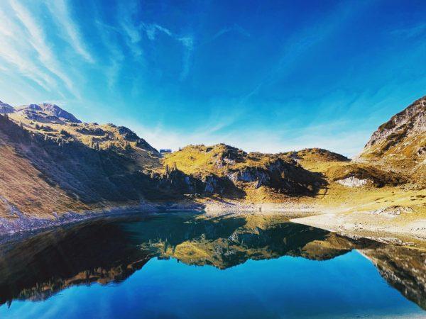 Formarinsee Autumn. #formarinsee #autumn #lech #lechamarlberg #arlberg #vorarlbergtourismus #vorarlbergwandern #vorarlberg #nature #outdoors #outdoorphotography ...