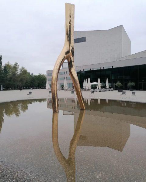 Spieglein Spieglein - - - #visitbregenz #visitvorarlberg #bregrnz #bregenzambodensee #bregenzerfestspiele #beautifulphoto #hauptsachedraussen #naturliebe ...