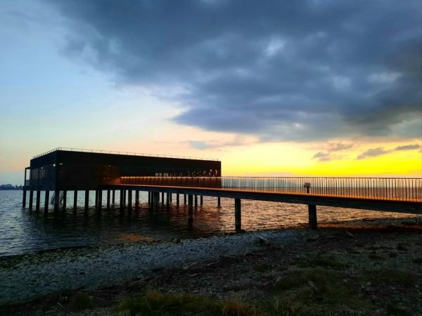 Sonnenuntergang: eine Liebeserklärung von der Natur an den 🌅Menschen #rimchotelandresorts #badehaus #seehotelamkaiserstrand #lochau ...