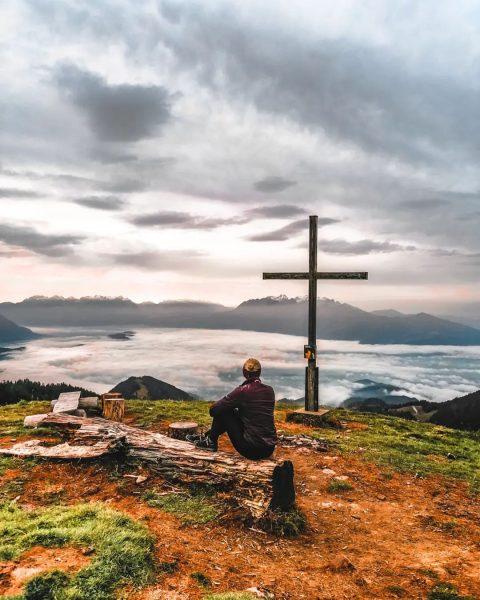🌫️ . . . #hiking #wanderlust #bergliebe #nebelsuppe #visitvorarlberg #viktorsberg #vorarlberg #österreich #austria ...