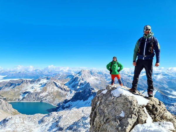 Two mountain guys.⛰🗻☀️🔝😉 @unser_vorarlberg @365austria @alpenverein @olli_i_84 @luenersee #schesaplana #panorama #paradies #mountainpics #vorarlberg ...